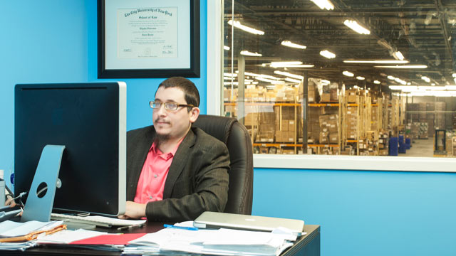 PHOTO: Eli Federman in Miami offices of 1saleaday.com, which thinks it has solved its social media problem.