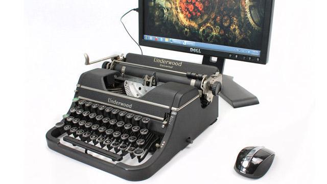 PHOTO: USB typewriter