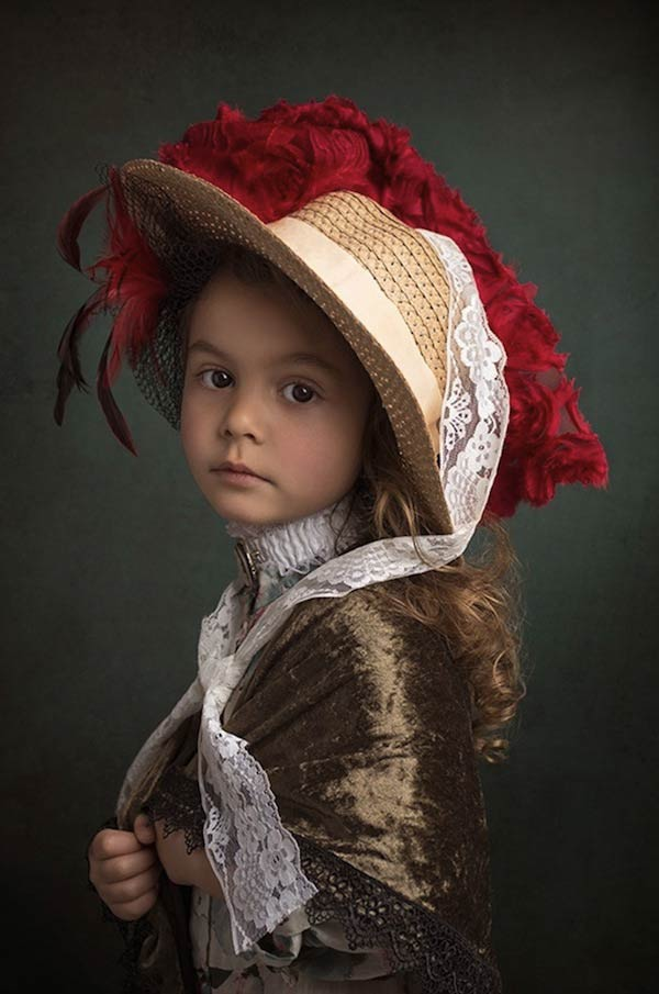 10 bill gekas portraits as paintings ll 130301 vblog These Arent Your Average Snapshots: Bill Gekas Portraits of His Daughter as Classic Paintings