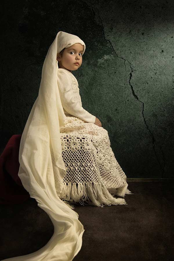 14 bill gekas portraits as paintings ll 130301 vblog These Arent Your Average Snapshots: Bill Gekas Portraits of His Daughter as Classic Paintings