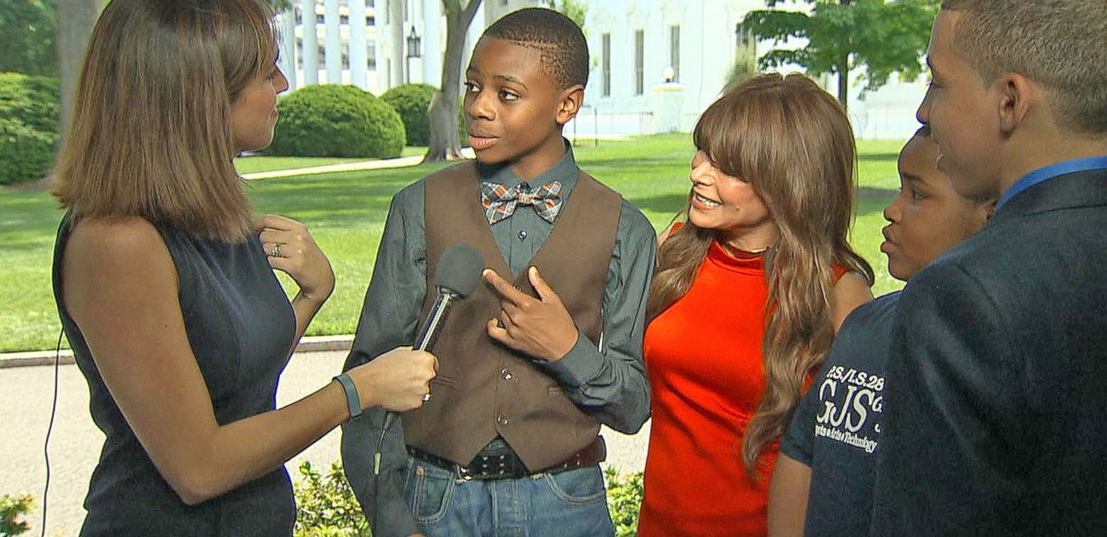 VIDEO: Paula Abdul and the Performing Artists of the Future