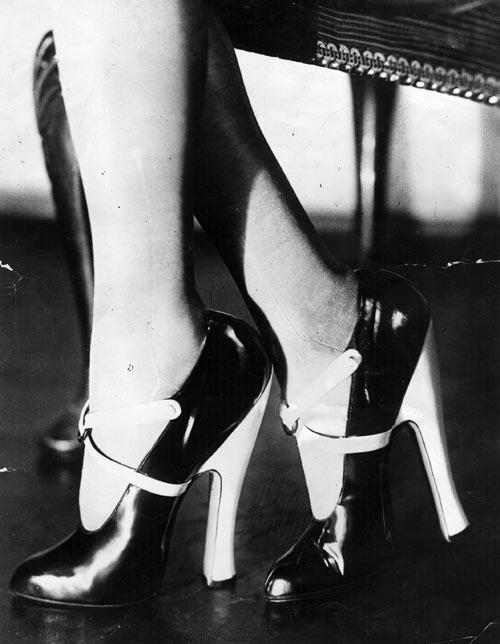 3249978 heels blog Fashion that Roared: 1920s Evening Wear