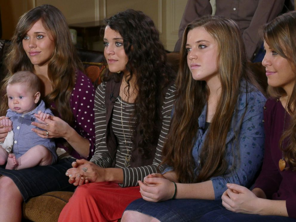 PHOTO: Paula Faris from Good Morning America talks to members of the controversial Duggar family of 19 Kids and Counting from their Arkansas home, who will be returning to television with a new reality show on TLC.