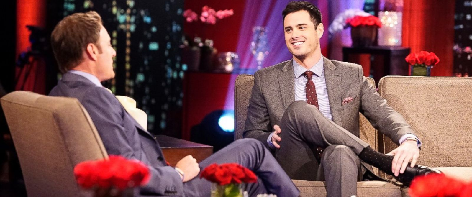 """PHOTO: Bachelor Ben Higgins talks with Chris Harrison on """"The Bachelor: The Women Tell All."""""""