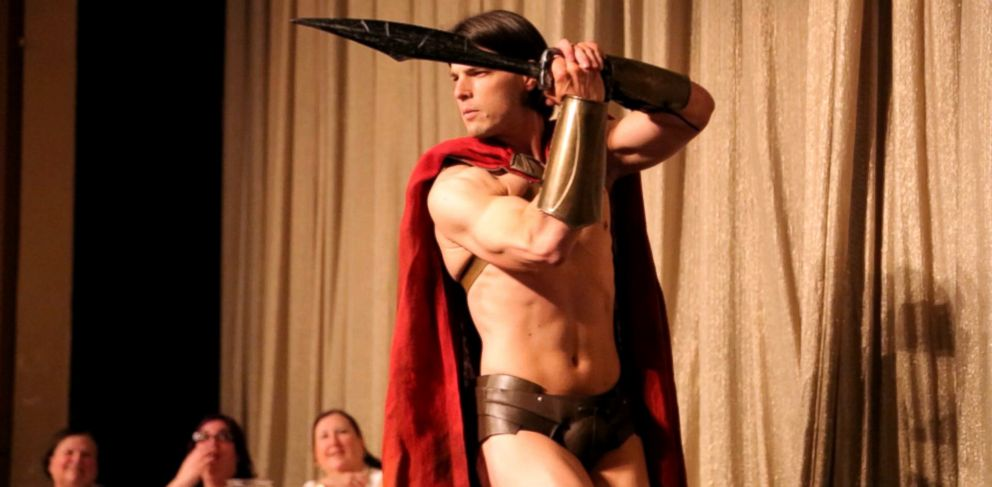 PHOTO: Jesse The Gladiator struts his stuff at the Make Me Swoon! Cover Model Competition