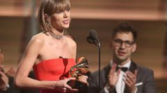 ' ' from the web at 'http://a.abcnews.go.com/images/Entertainment/AP_Taylor_Swift_Grammy_160215_16x9t_240.jpg'