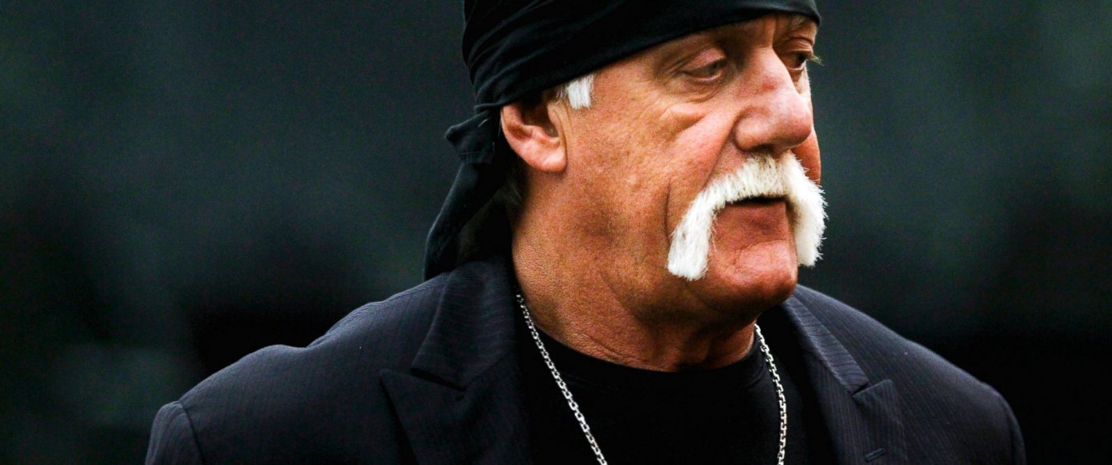 PHOTO:Hulk Hogan arrives before the start of his trial, March 17, 2016, in St. Petersburg, Fla.