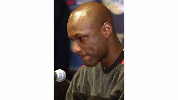 PHOTO: Los Angeles Clippers star Lamar Odom appears at a news conference