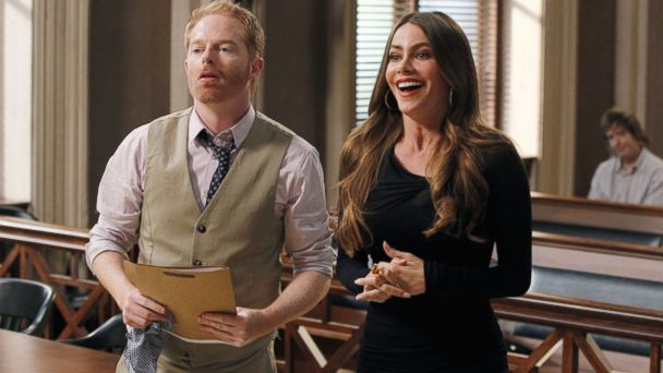 "PHOTO: Jesse Tyler Ferguson, left, and Sofia Vergara in a scene from ""Modern Family."""