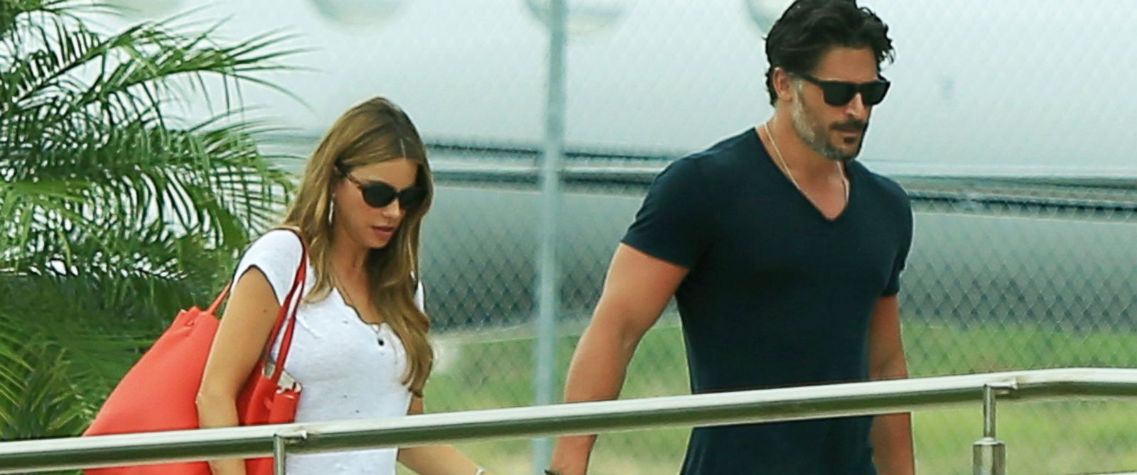 PHOTO: Sofia Vergara and boyfriend Joe Manganiello are spotted catching a flight out of Cabo San Lucas, Mexico after enjoying a romantic vacation together, Sept. 1, 2014.