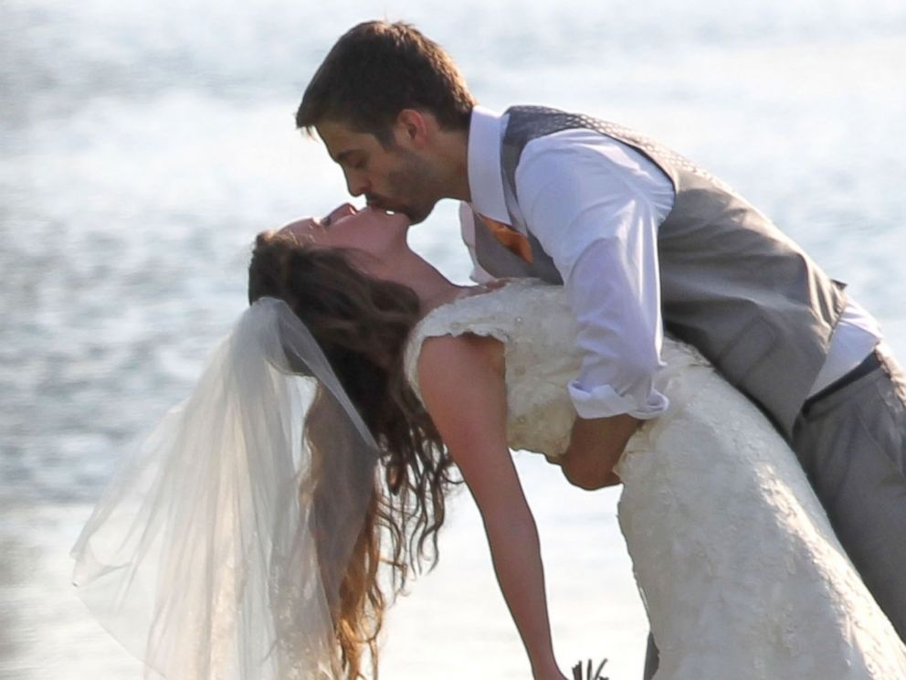 PHOTO: Reality star Jill Duggar marries Derick Dillard, June 21, 2014 in Springdale, Arkansas. Jill, 23, is the second daughter in the large Duggar family of TLC show 19 Kids & Counting.