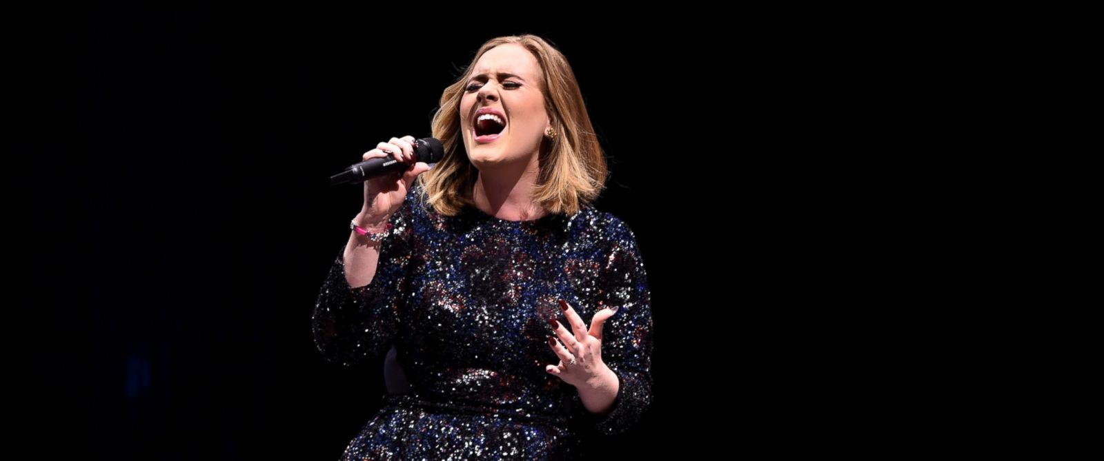 PHOTO: Adele performs at The SSE Hydro on March 25, 2016 in Glasgow, Scotland.