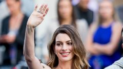 New Mom Anne Hathaway Hits the Red Carpet
