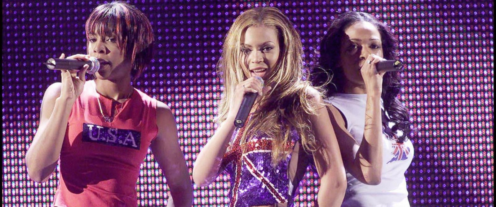 PHOTO: Destinys Child performs on stage at the Brit Awards rehearsals at Earls Court Exhibition Centre, Feb. 26, 2001 in London.