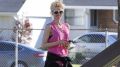 Gwen Stefani Is Pretty in Pink