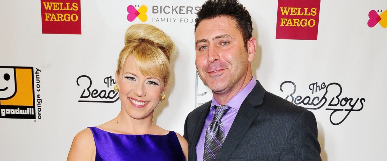 PHOTO: Jodie Sweetin and Justin Hodak attend the 2nd Annual Goodwill Gala at Laguna Cliffs Marriott on Nov. 7, 2015 in Dana Point, Calif.
