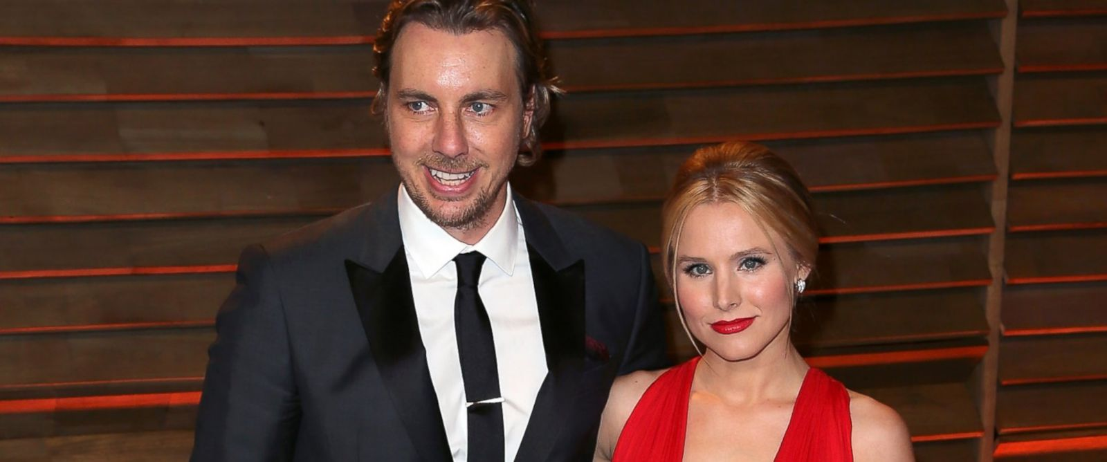 PHOTO: Actors/husband & wife Dax Shepard, left, and Kristen Bell attend the 2014 Vanity Fair Oscar Party hosted by Graydon Carter in this March 2, 2014 in West Hollywood, Calif.
