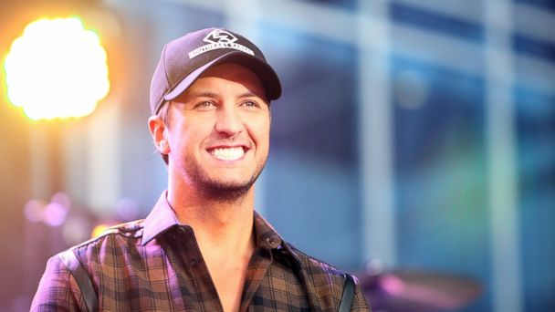 "PHOTO: Luke Bryan performs on ABCs ""Good Morning America"" outside of the Bridgestone Arena ahead of the CMA Awards on Nov. 6, 2013 in Nashville."