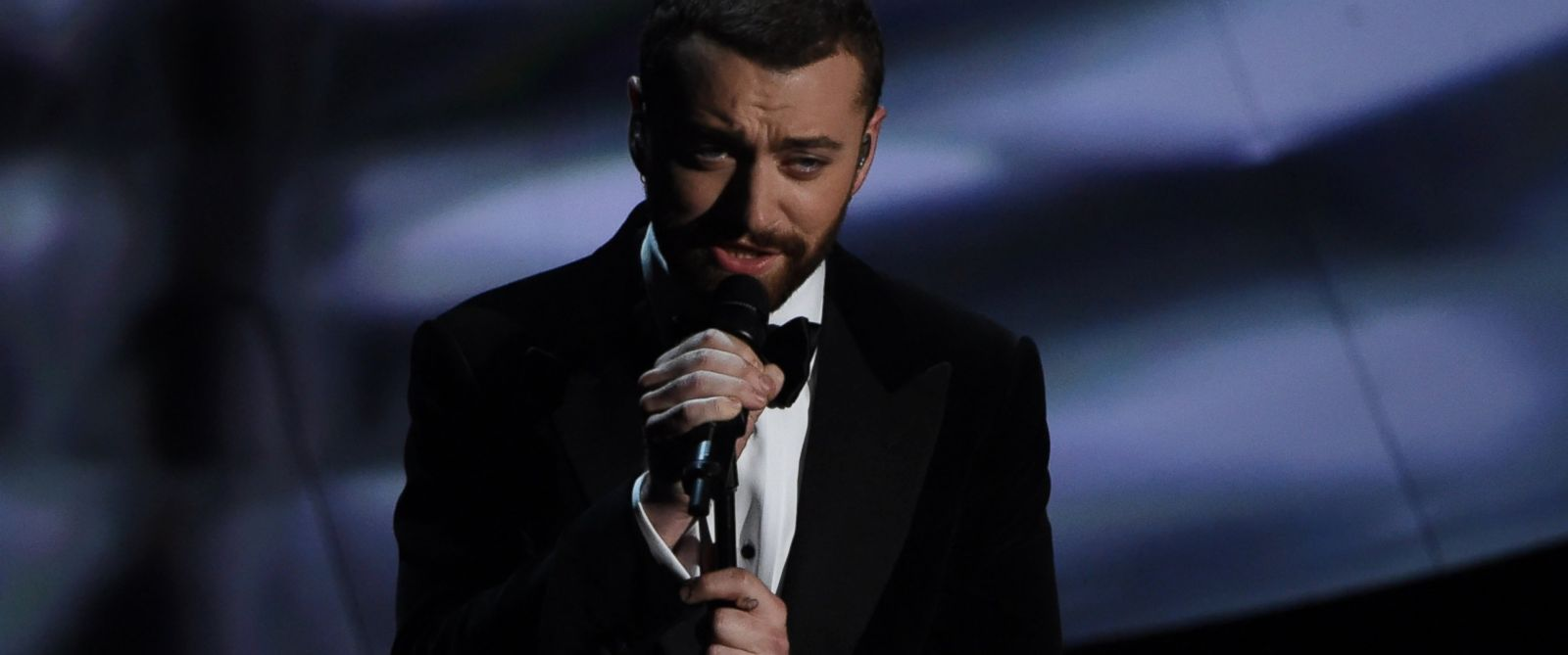PHOTO:Sam Smith performs on stage at the 88th Oscars, Feb. 28, 2016, in Hollywood, Calif.