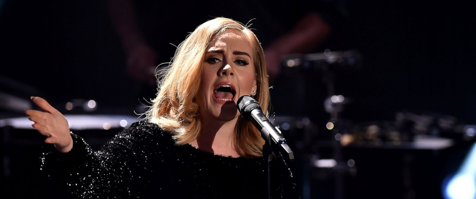 PHOTO: Adele in Cologne, Germany, Dec. 6, 2015.