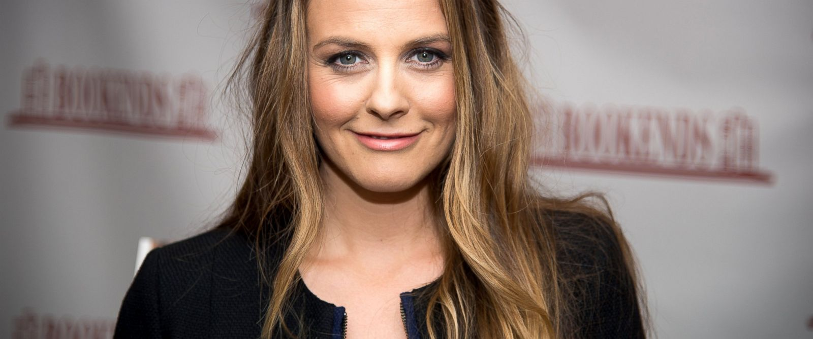 """PHOTO: Alicia Silverstone arrives to the book signing for her new book, """"The Kind Mamma,"""" at Bookends Bookstore, April 14, 2014, in Ridgewood, N.J."""