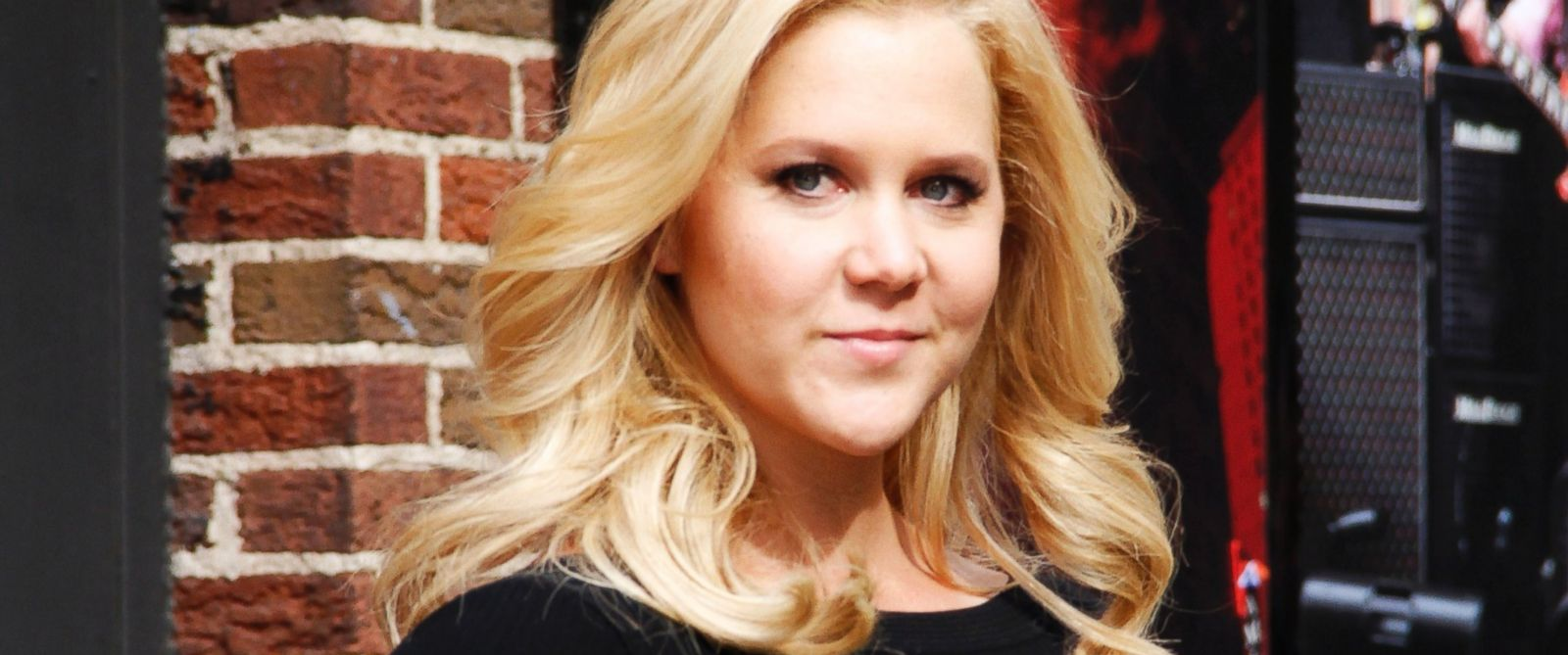 "PHOTO: Amy Schumer arrives for the ""Late Show with David Letterman"" at the Ed Sullivan Theater, April 1, 2014 in New York."