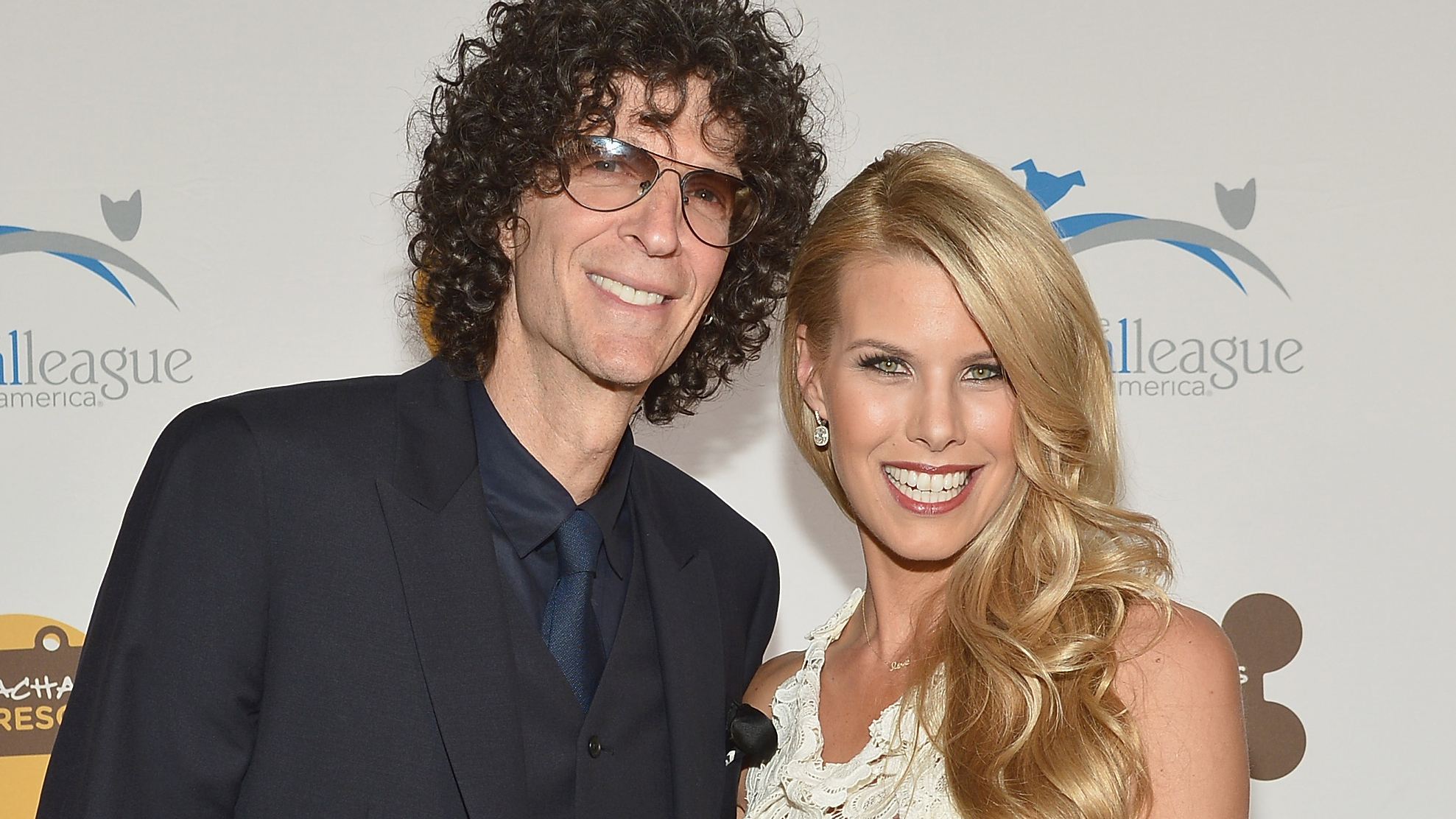 PHOTO: Howard Stern (L) and Beth Ostrosky Stern attend the 2013 Animal League America Celebrity gala at The Waldorf Astoria on Nov. 22, 2013 in New York City.