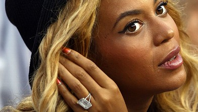 PHOTO:Beyonce watches the 2011 US Open at the USTA Billie Jean King National Tennis Center, Sept. 12, 2011, in New York City.