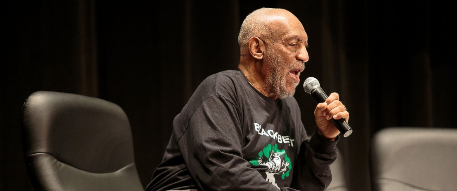 PHOTO: Bill Cosby speaks to students at Selma High School, May 15, 2015 in Selma, Ala.