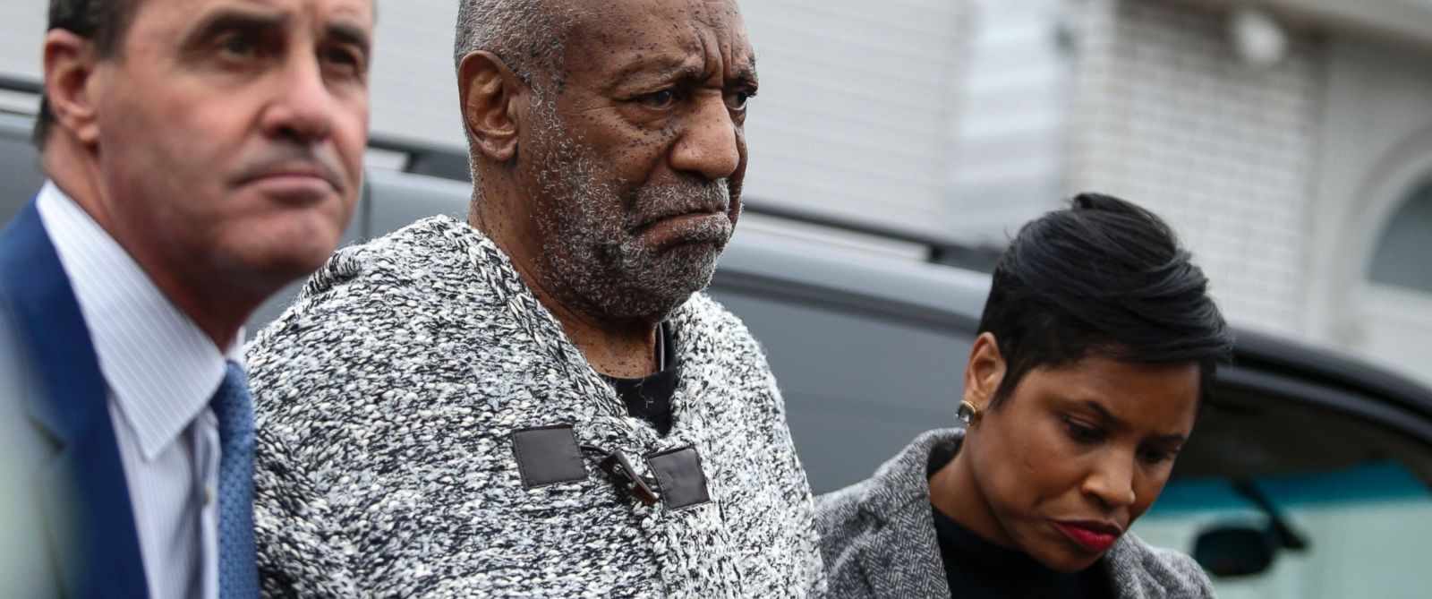 PHOTO: Bill Cosby arrives Dec. 30, 2015 at the courthouse in Elkins Park, Pa., to face charges of aggravated indecent assault.