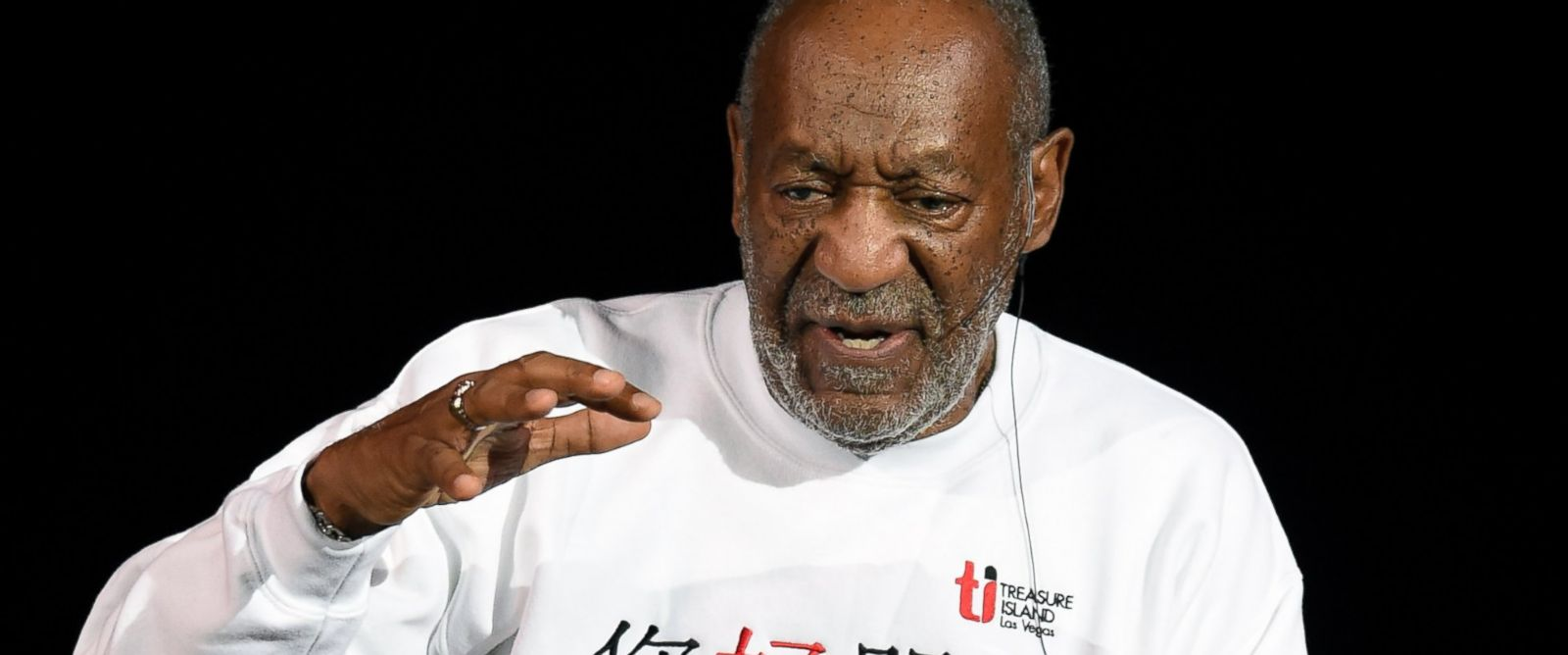 PHOTO: Bill Cosby performs at the Treasure Island Hotel & Casino on Sept. 26, 2014 in Las Vegas.
