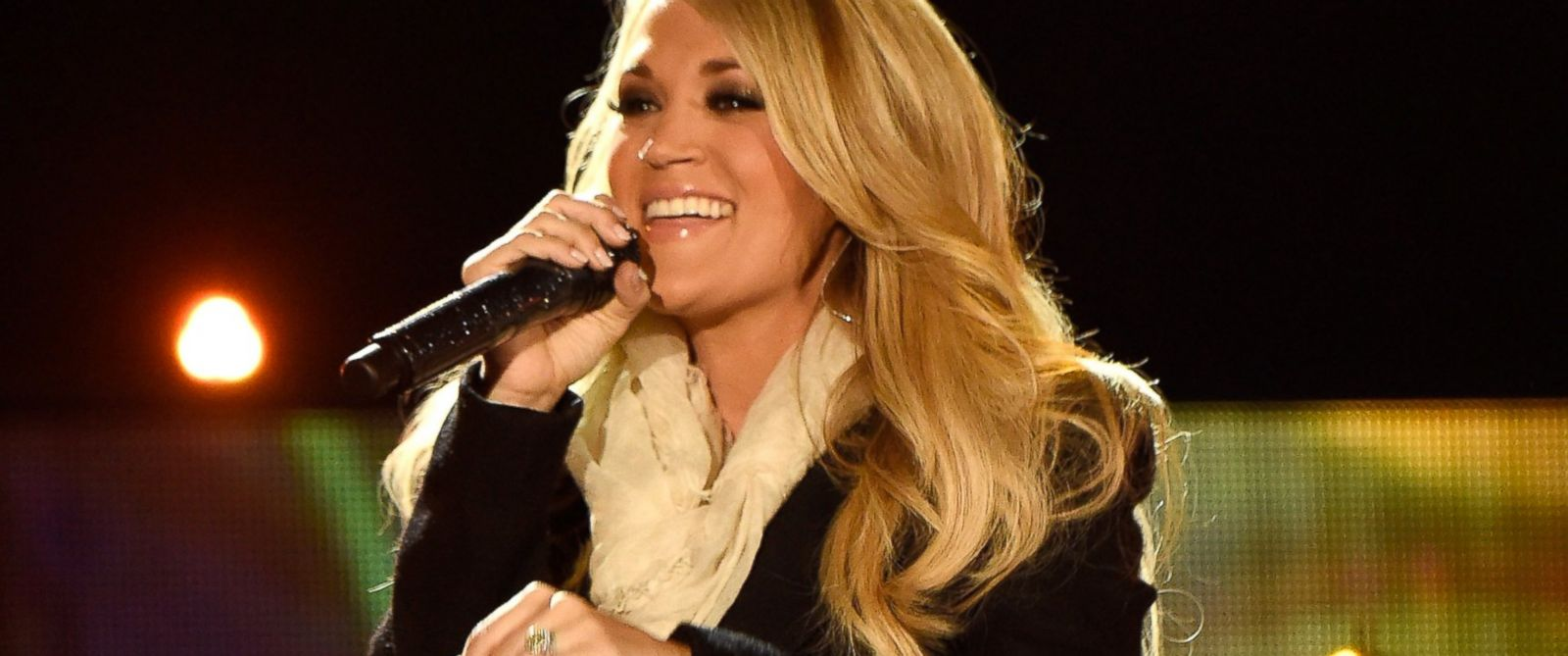 """PHOTO: Singer Carrie Underwood performs onstage during """"The Concert For Valor"""" at The National Mall, Nov. 11, 2014, in Washington."""