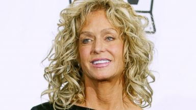 PHOTO: Farrah Fawcett poses backstage at the 2nd Annual TV Land Awards held, March 7, 2004, in Hollywood, Calif.