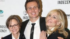 Sally Field and Judith Light Cuddle up to Jonathan Groff