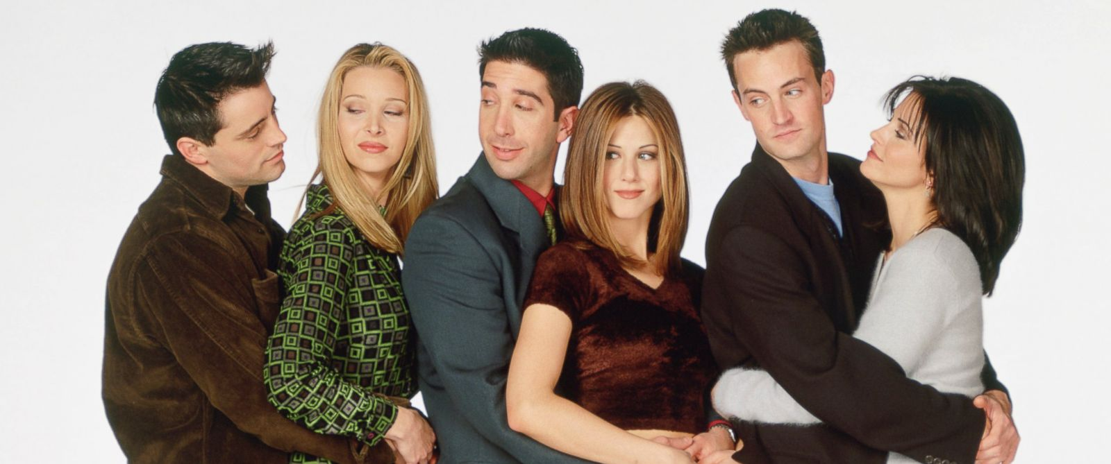 """PHOTO: From left, Matt LeBlanc, Lisa Kudrow, David Schwimmer, Jennifer Aniston, Matthew Perry, and Courteney Cox are pictured in a promotional still for """"Friends."""""""