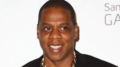 PHOTO: Jay-Z Gives Pop-Up Rap Performance