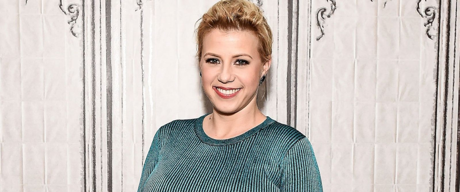 """PHOTO: Jodie Sweetin attends the AOL Build Speakers Series to discuss """"Fuller House"""" at AOL Studios In New York City, Feb. 25, 2016."""