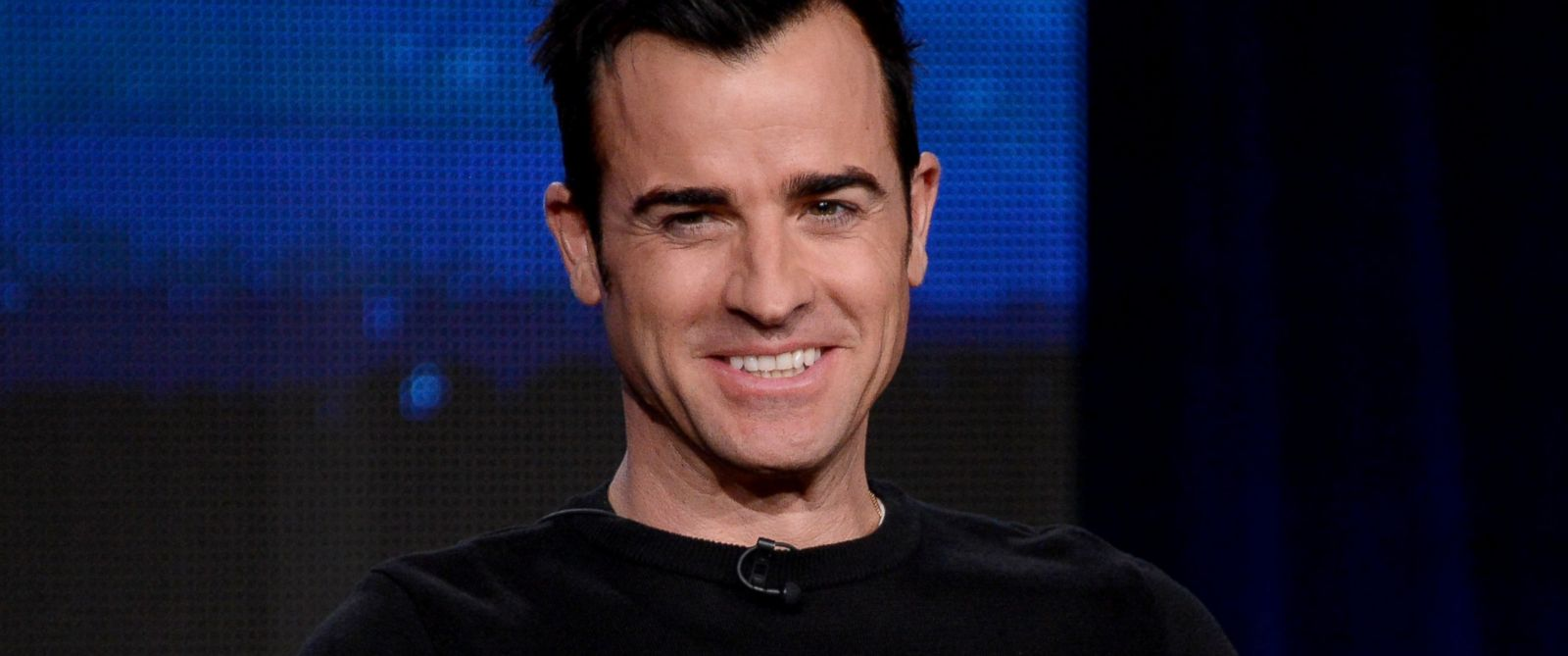 """PHOTO: Justin Theroux speaks onstage at the """"The Leftovers"""" panel at the The Langham Huntington Hotel and Spa in Pasadena, Calif., Jan. 9, 2014."""