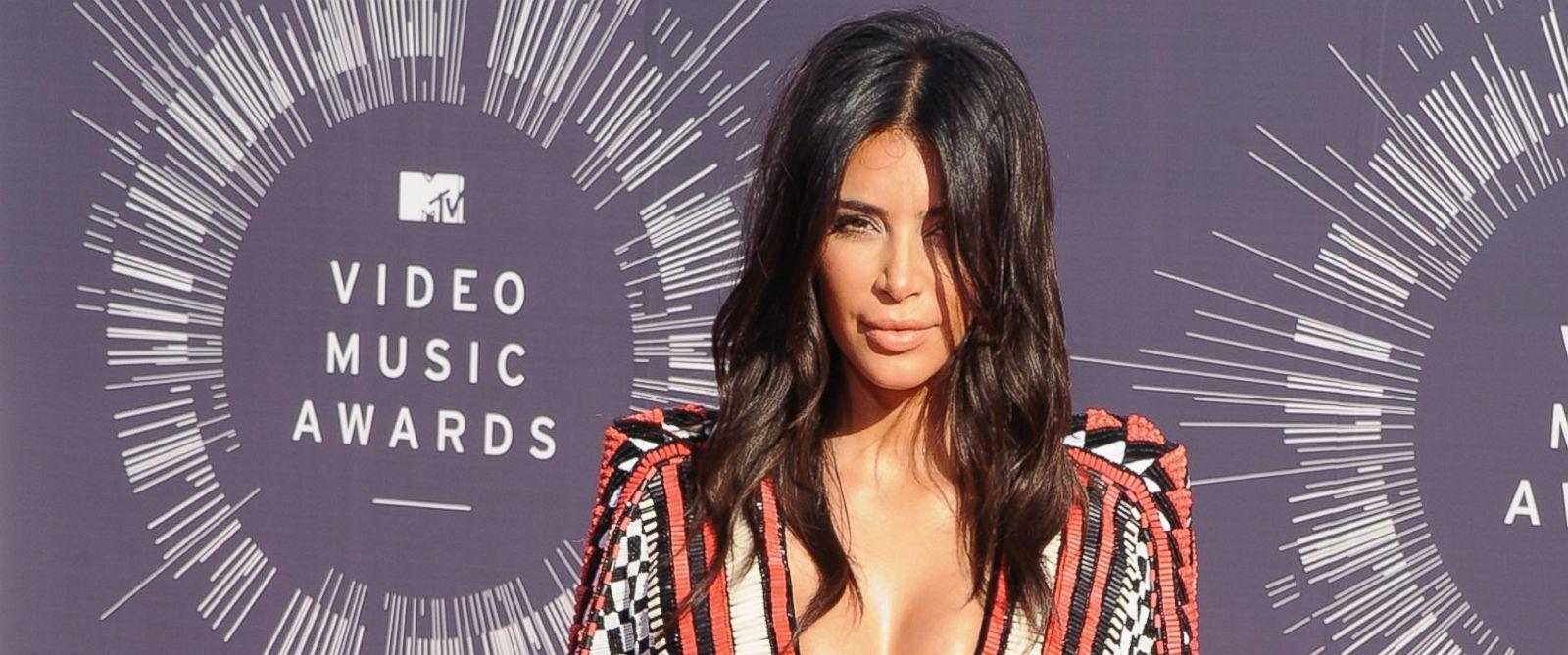 PHOTO: Kim Kardashian arrives at the 2014 MTV Video Music Awards at The Forum, Aug. 24, 2014, in Inglewood, Calif.