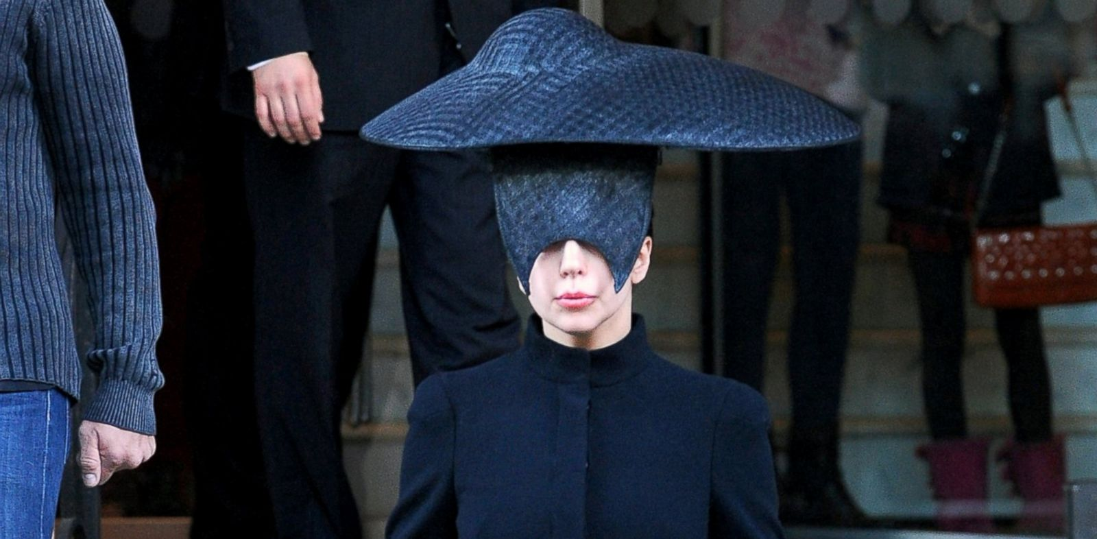 PHOTO: Lady Gaga is seen leaving her London hotel, Oct. 30, 2013, in London.