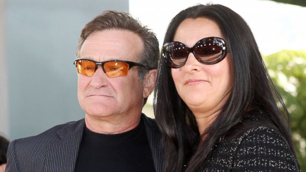 "PHOTO: Robin Williams and Marsha Garces pose at the premiere of Warner Bros. Pictures ""License to Wed"" at the Cinerama Dome Theater, June 25, 2007, in Los Angeles."
