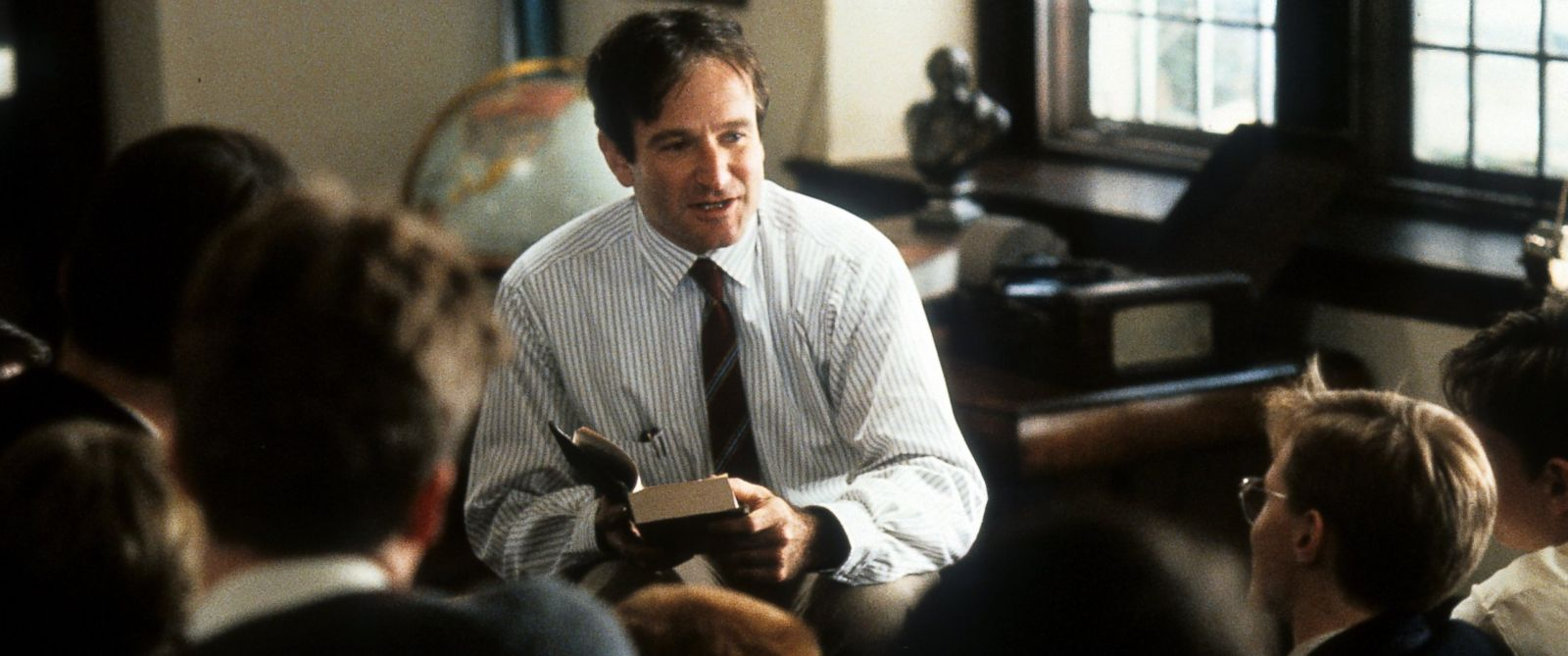 "PHOTO: Robin Williams teaching a class in a scene from the film ""Dead Poets Society,"" 1989."
