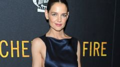 Katie Holmes Goes Sleek for her Premiere
