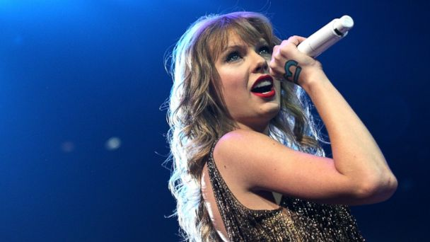 PHOTO: Taylor Swift performs live on stage at Vector Arena in Auckland, New Zealand, March 18, 2012.