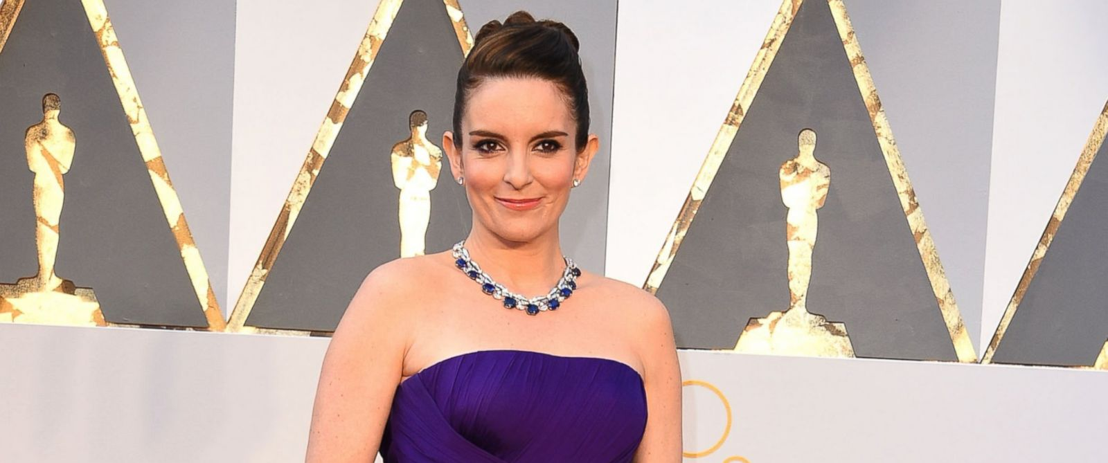 PHOTO: Tina Fey arrives at the 88th Annual Academy Awards, Feb. 28, 2016 in Hollywood, Calif.