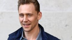 Tom Hiddleston Steps Out in London