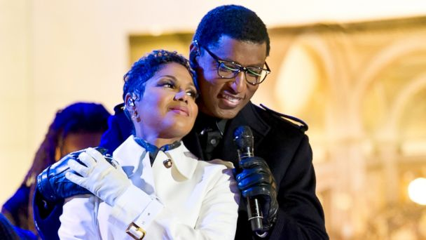 """PHOTO: Singers Toni Braxton and Kenneth Brian """"Babyface"""" Edmonds attend the 81st annual Rockefeller Center Christmas Tree Lighting Ceremony, Dec. 3, 2013 in New York City."""