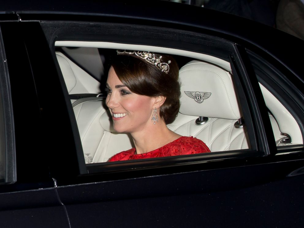 PHOTO: Catherine, Duchess of Cambridge arrives at Buckingham Palace wearing a tiara made by Garrard London, on Oct. 20, 2015 in London.