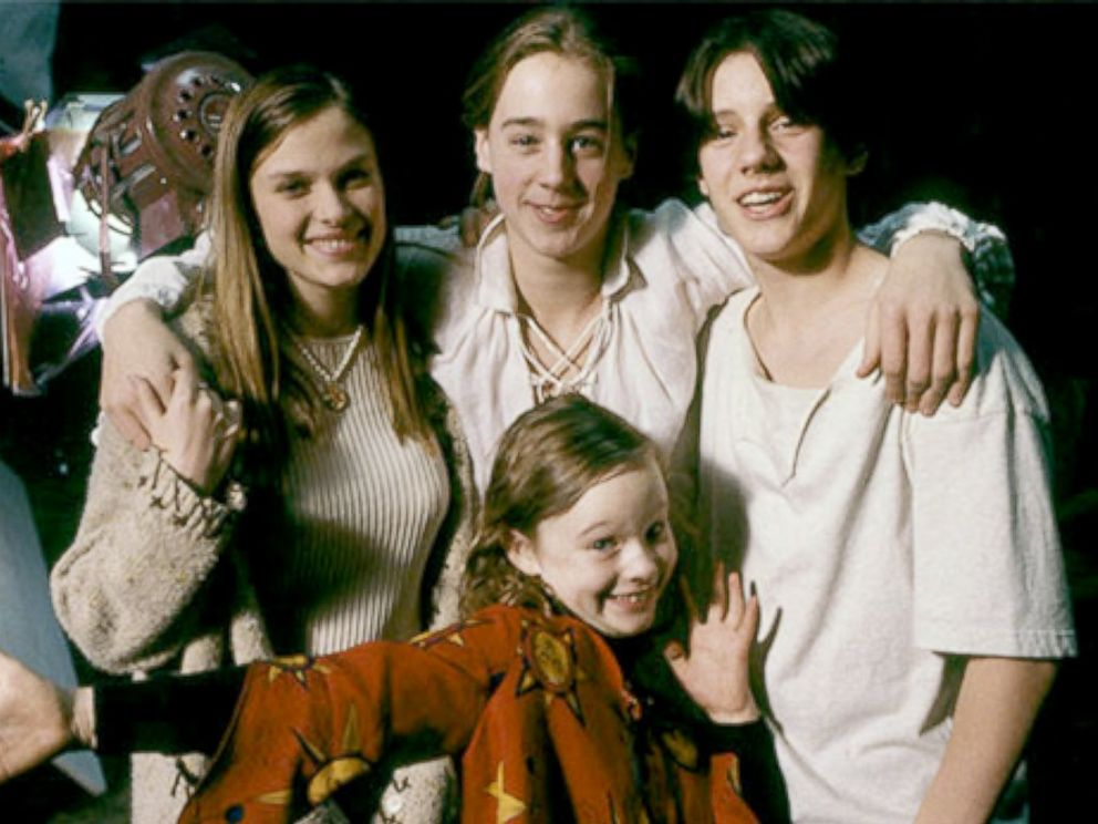 PHOTO: The cast of Hocus Pocus behind-the-scene while on set, circa 1992.