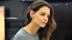 Katie Holmes Goes Makeup-Free to Shop